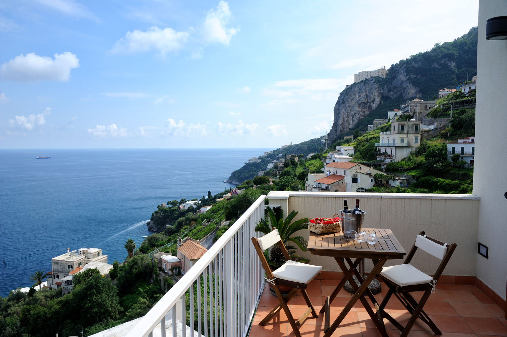 Apartments amalfi vettica apartments costiera for Apartments amalfi